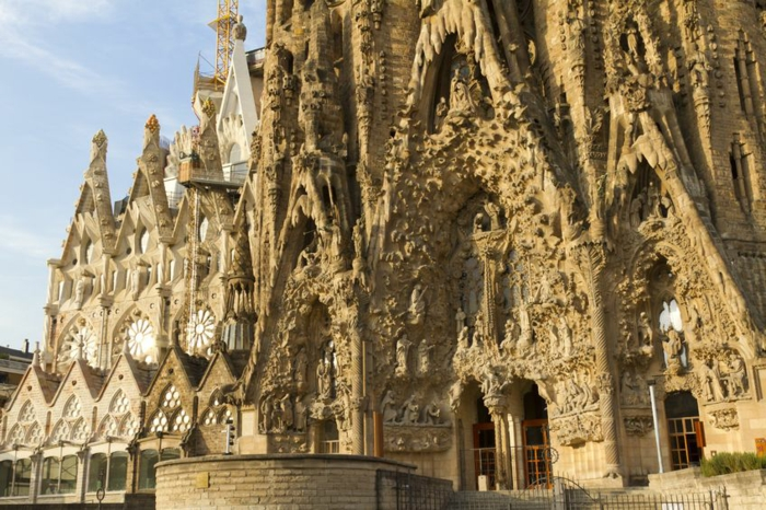 cathedrale-barcelone-Sagrada-Familia-exterieur-elements-resized