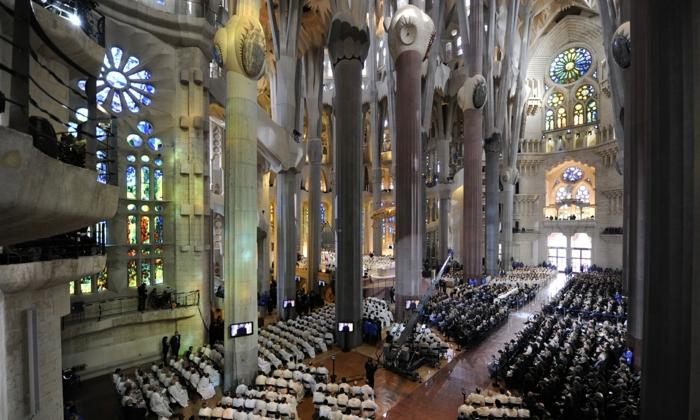 cathedrale-barcelone-avec-une celebration-solennelle-pape Benedict XVI