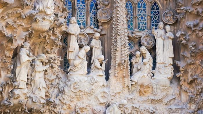 cathedrale-barcelone-Sagrada-details-de-la-scene-de-la-Pitie-resized