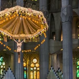 Cathédrale Barcelone qui nous parle du génie de Antoni Gaudí