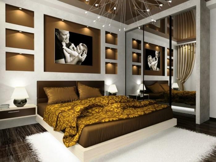 chambre-adulte-originale-a-la-couverture-reflets-dores-resized