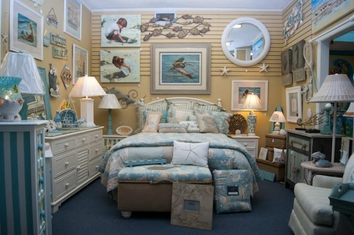 chambre-adulte-originale-aux-motifs-marins-ultra-decoree-resized