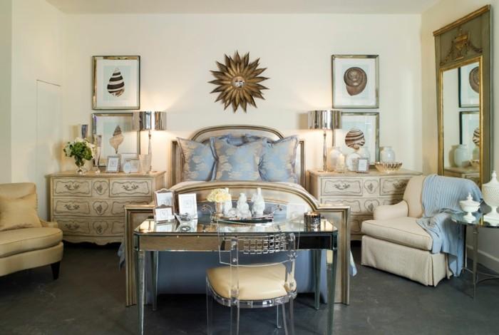 chambre-adulte-originale-fauteuils-classiques-chaise-transparente-resized