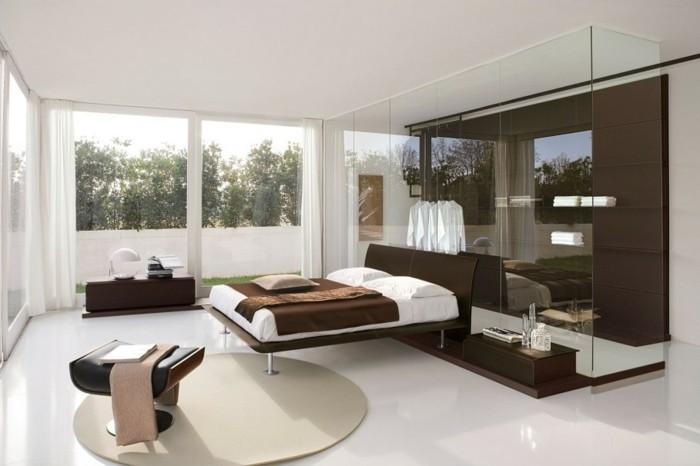 chambre-adulte-originale-garde-robe-transparente-resized