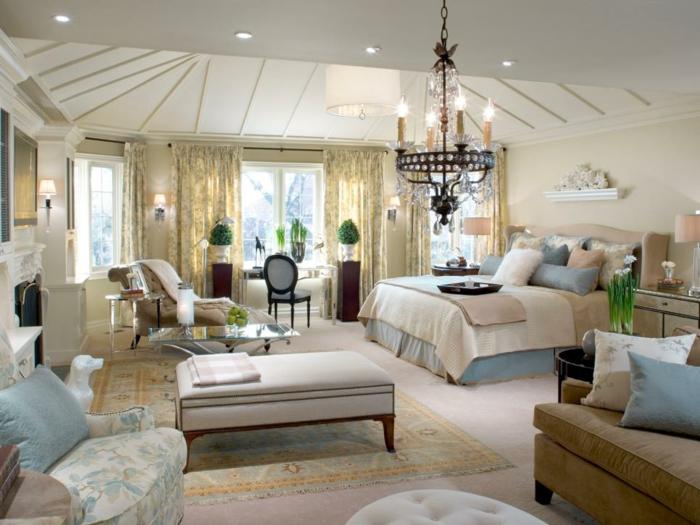 chambre-adulte-originale-hyper-meublee-dans-un-style-classique-resized