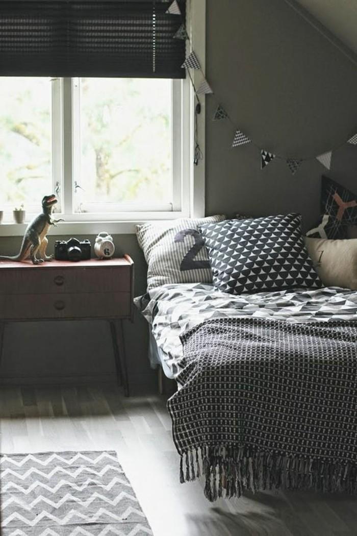 chambre-garçon-en-gris-foncé-parquet-gris-clair-fenetre-chambre-ado-ikea