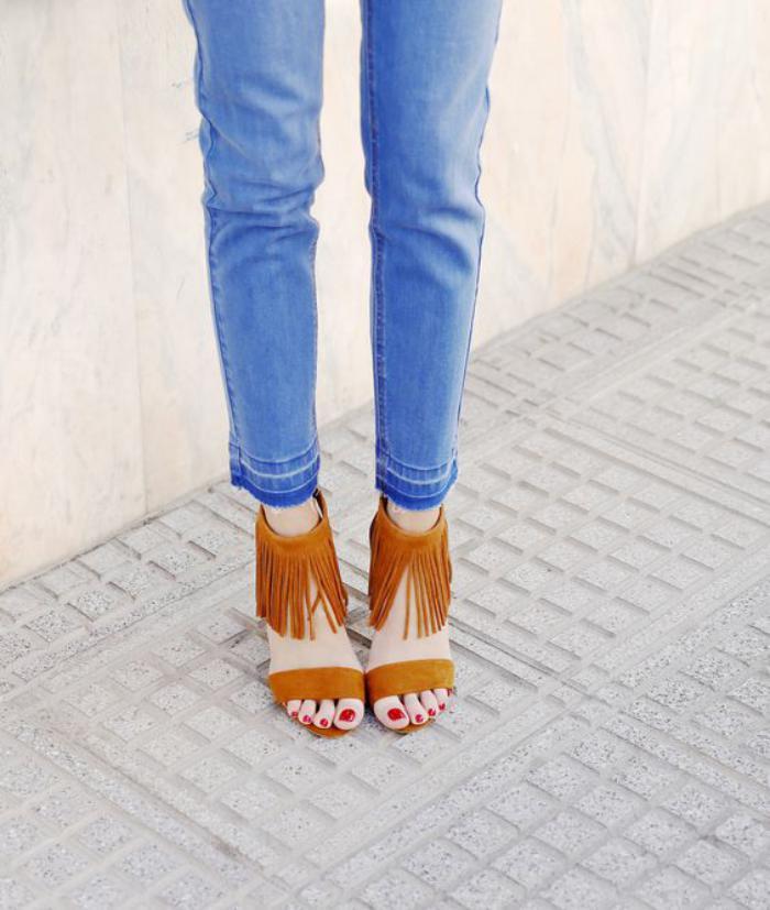 chaussures-à-franges-à-forme-épurée-couleur-orange