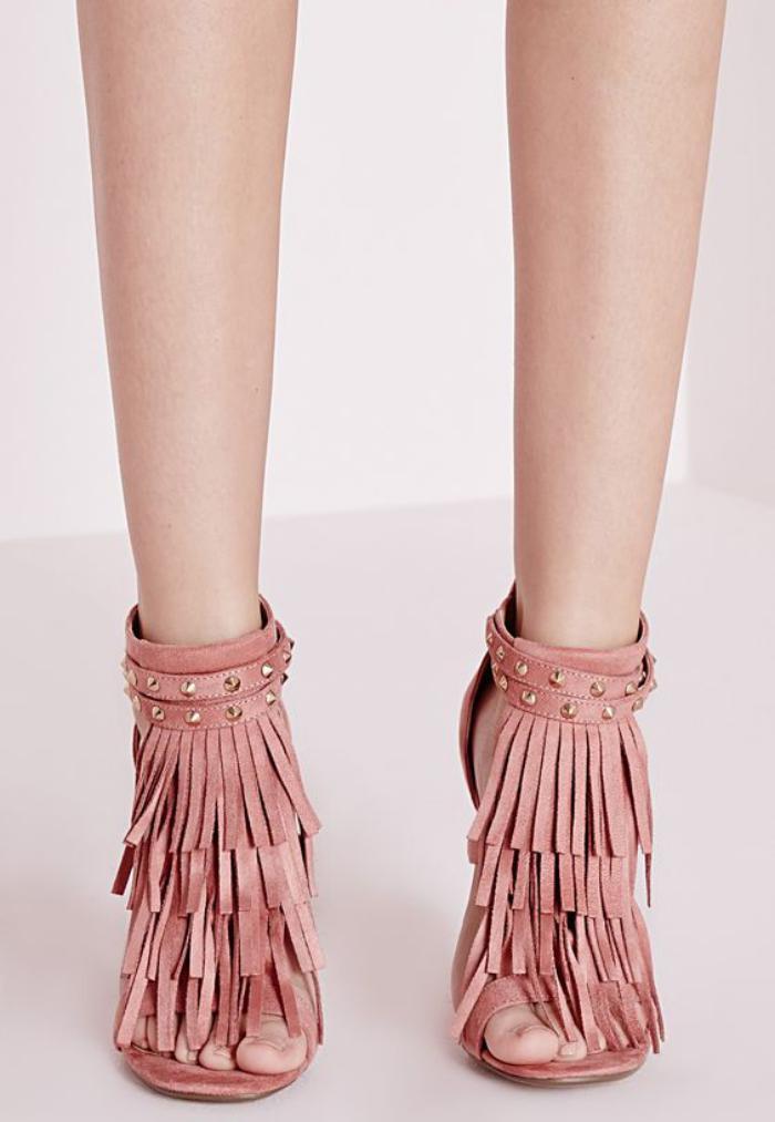chaussures-à-franges-belles-sandales-frangées-rose-pale