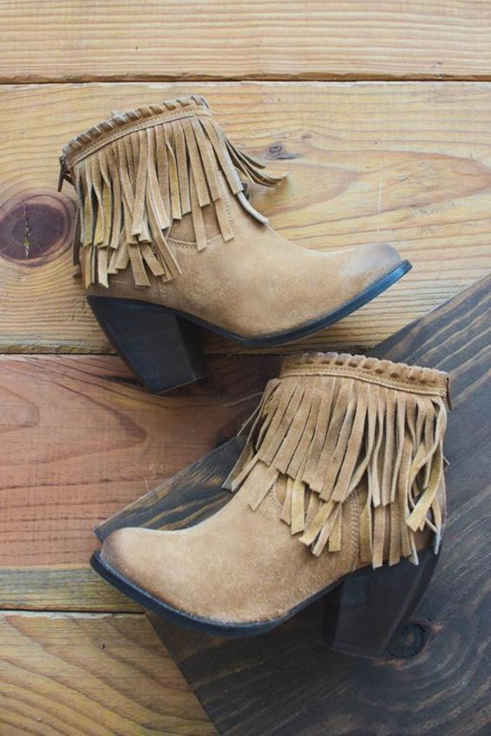 chaussures-à-franges-bottines-rétro-chic