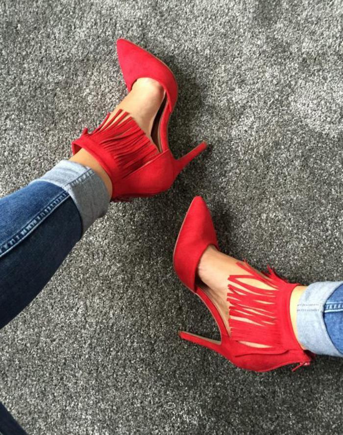 chaussures-à-franges-escarpins-rouges-avec-franges