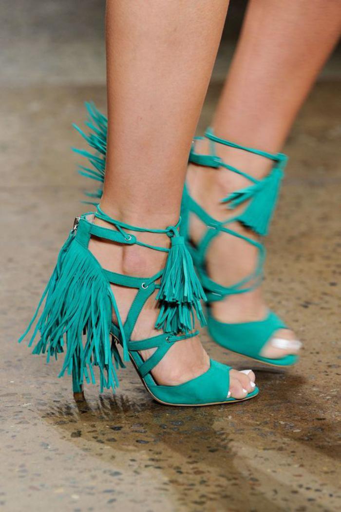 chaussures-à-franges-fantastiques-pour-danses-folles