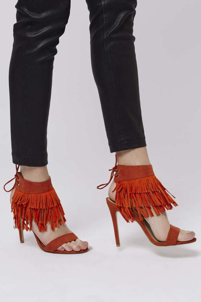 chaussures-à-franges-sandales-oranges