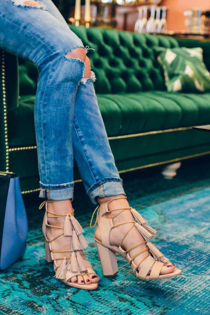 chaussures-à-franges-sandales-originales-couleur-beige