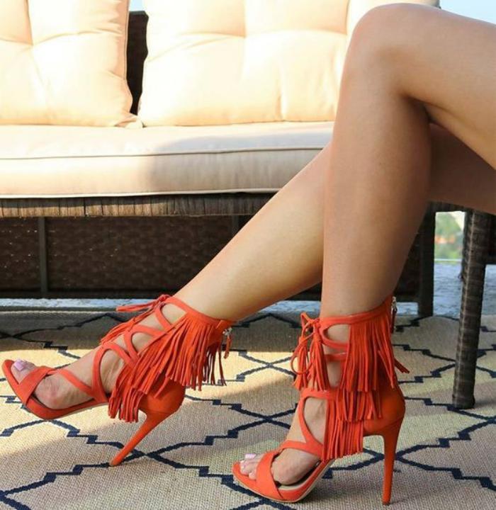 chaussures-à-franges-sandales-rouges-à-haut-talon