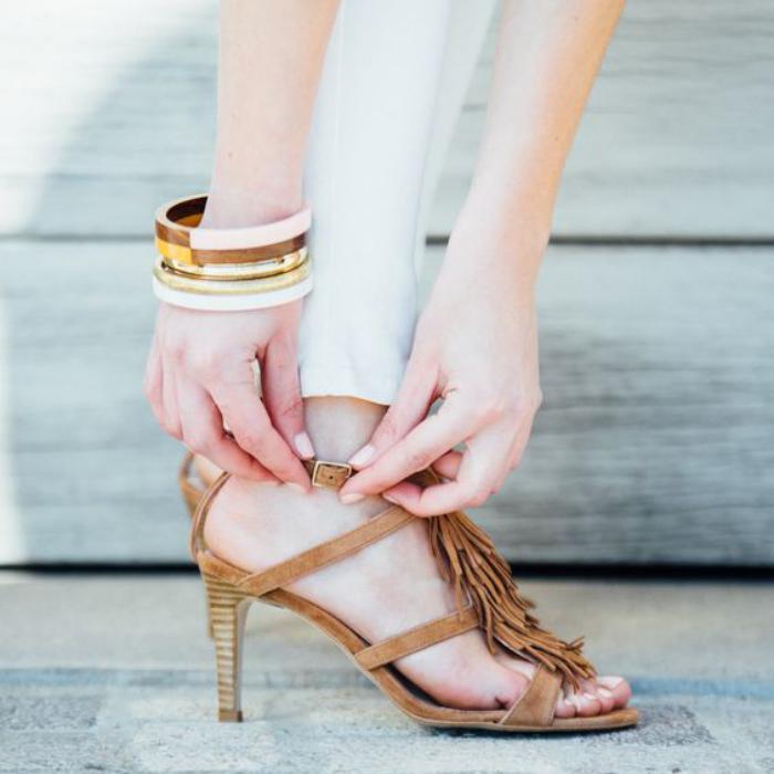 chaussures-à-franges-sandales-style-épuré-franges