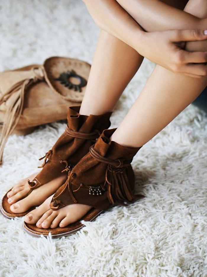 chaussures-à-franges-spartiates-marron-fragées