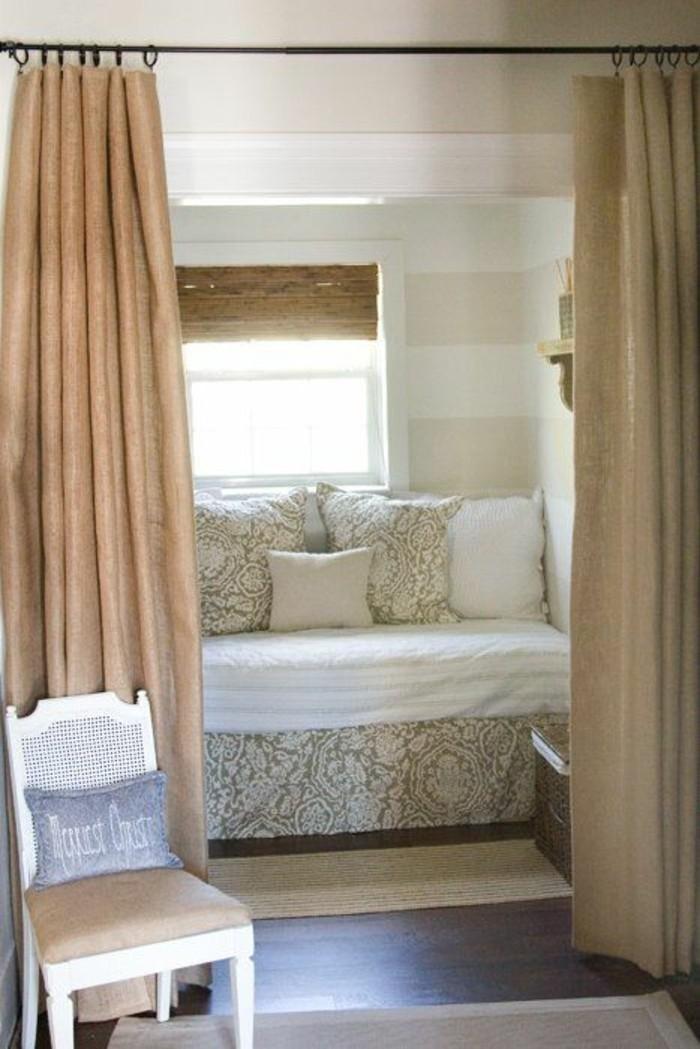 cloisons-amovibles-rideaux-comment-separer-un-canape-avec-rideaux