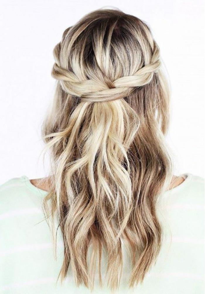 coiffure-originale-avec-une-couronne-tresse