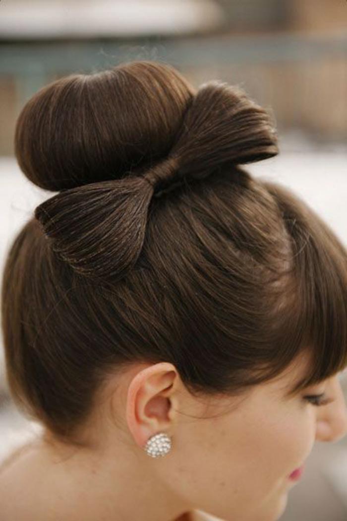 coiffure-originale-chignon-noeud