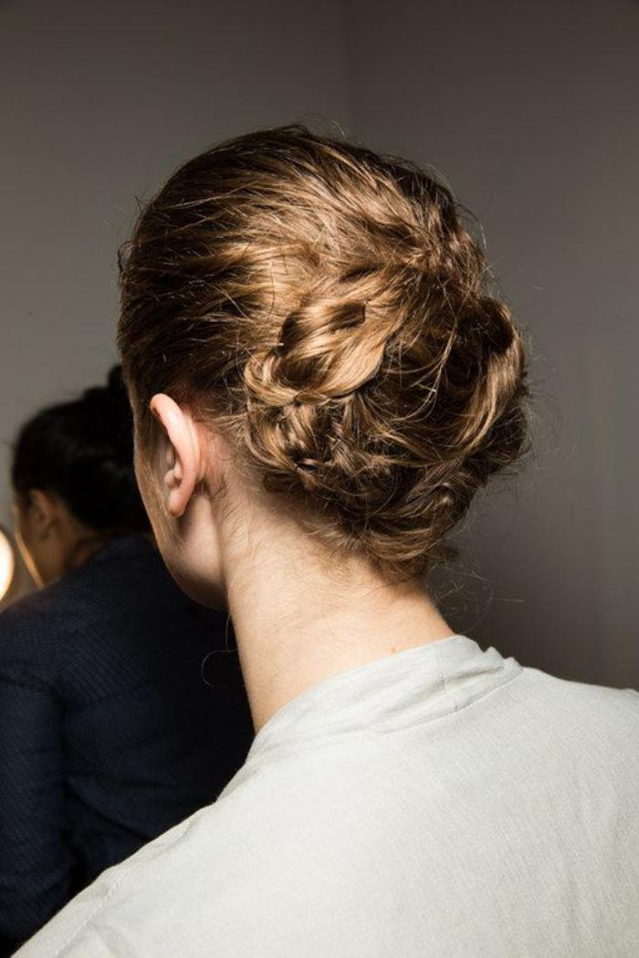 coiffure-originale-chignon-tressé-original
