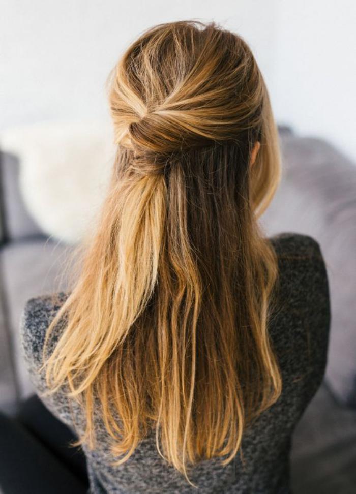 coiffure-originale-demi-queue-jolie-cheveux-long