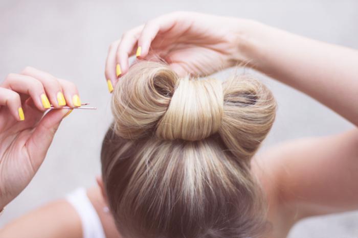 coiffure-originale-faire-un-noeud-de-cheveux