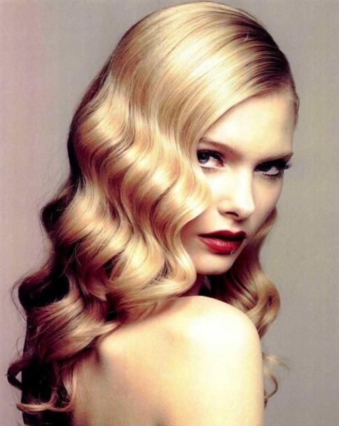 coiffure-originale-ondulations-rétro-cheveux-longs