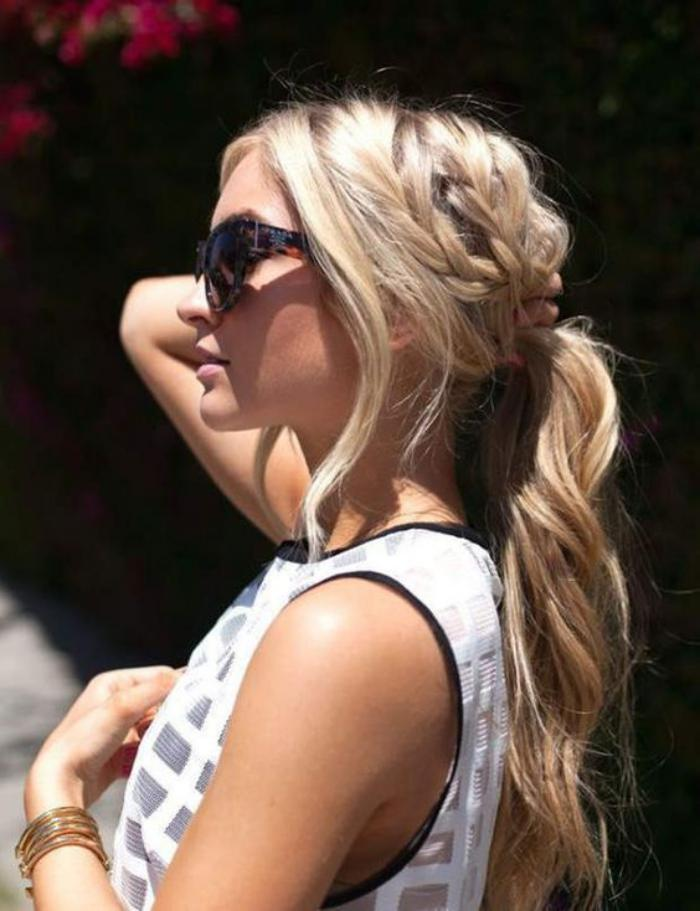 coiffure-originale-ponytail-joli-avec-tresse-collée