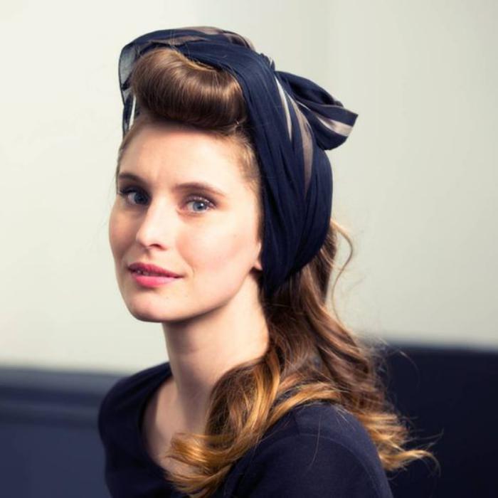 coiffure-pin-up-coiffure-avec-foulard