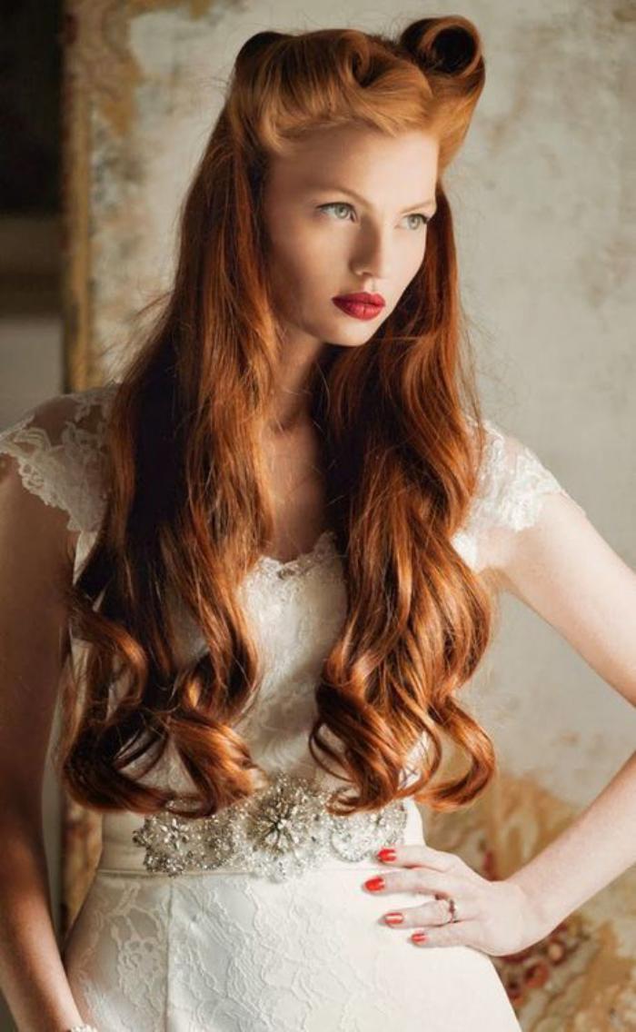coiffure-pin-up-coiffure-de-pin-up-cheveux-très-longs