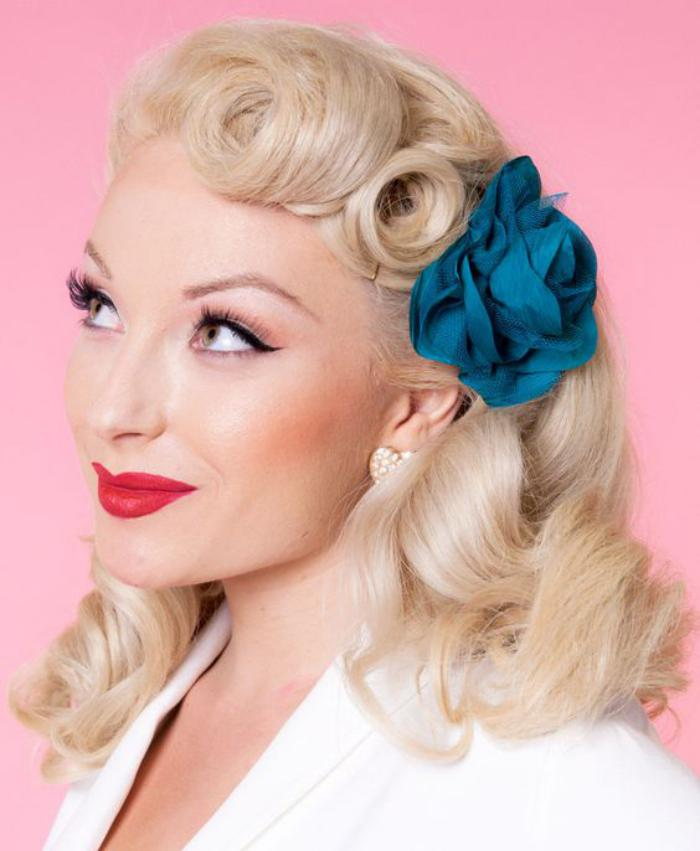 coiffure-pin-up-coiffure-facile-pin-up