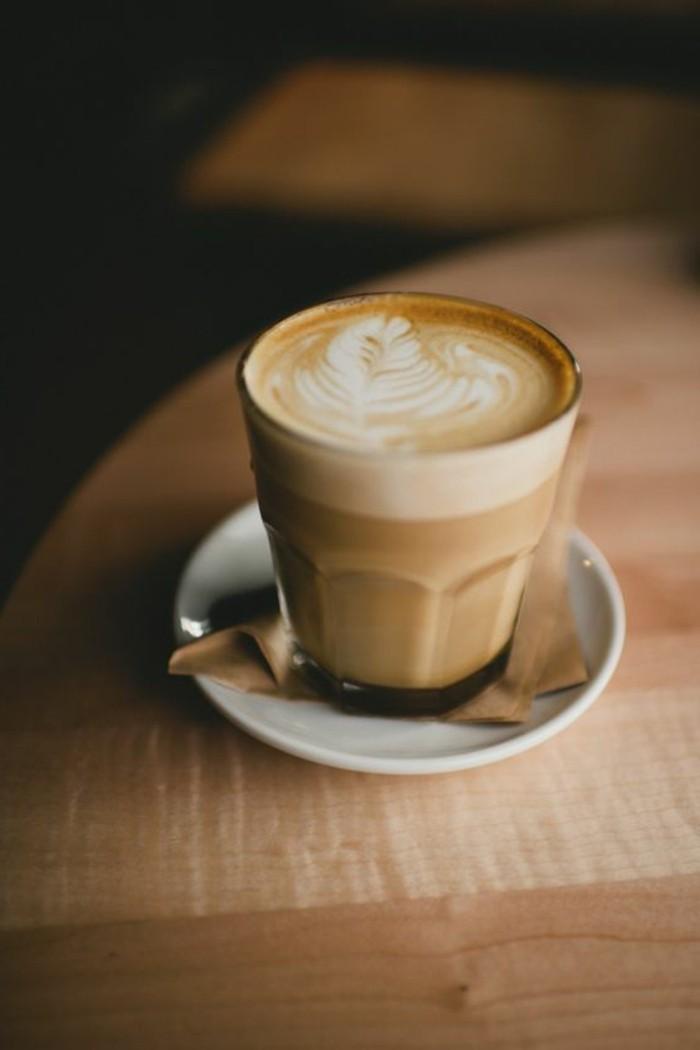 comment-faire-un-cappuccino-maison-faire-mousser-le-lait-café-au-lait-recette-maison