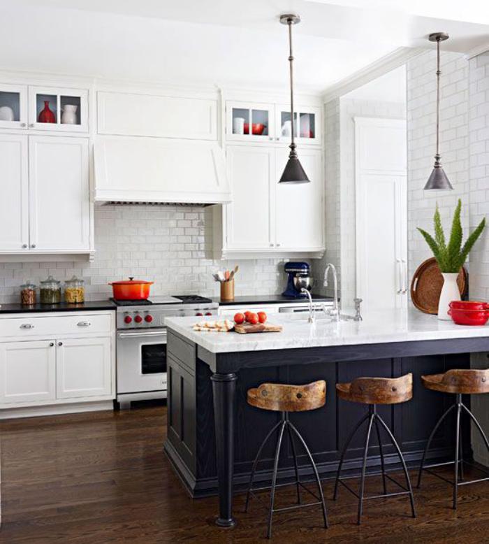cuisine-avec-bar-table-bar-de-cuisine-aménagement-cuisine-noire-et-blanche