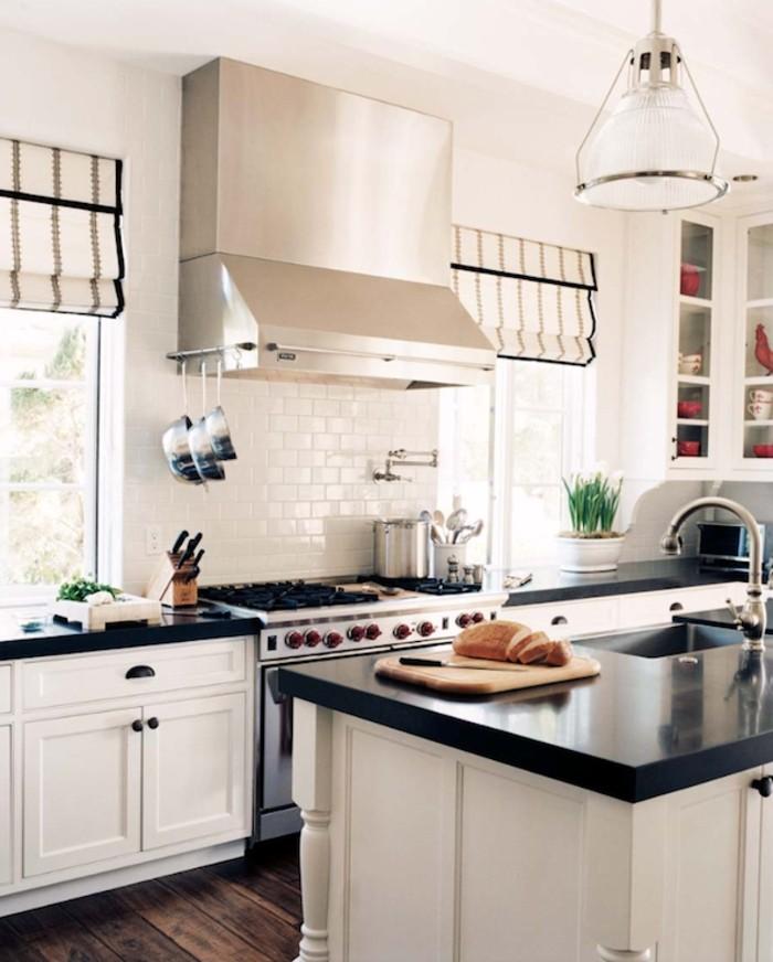 Deco Chambre Saint Valentin : Cuisine blanche avec plan de travail noir  73 idées de relooking