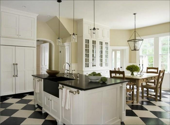 cuisine-blanche-avec-plan-de-travail-noir-au-carrelage-motif-jeu-d-echecs-resized