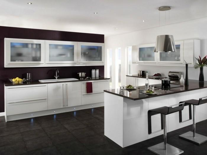 cuisine blanche avec plan de travail noir 73 id es de relooking. Black Bedroom Furniture Sets. Home Design Ideas