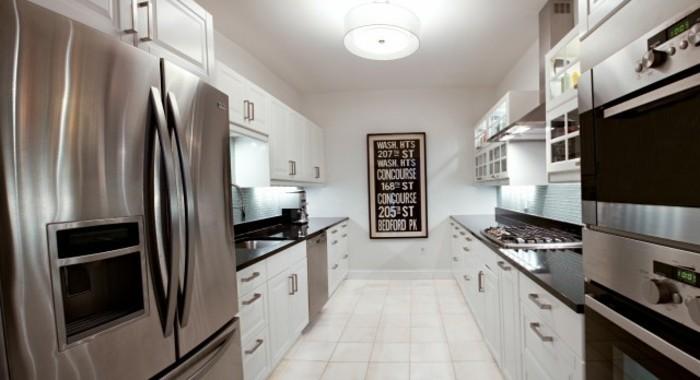 Cuisine blanche avec plan de travail noir 73 id es de relooking - Plan de travail cuisine grande longueur ...