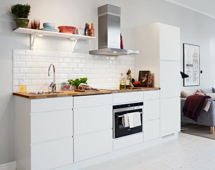 cuisine-blanche-et-bois-cuisine-ouverte-sur-le-salon