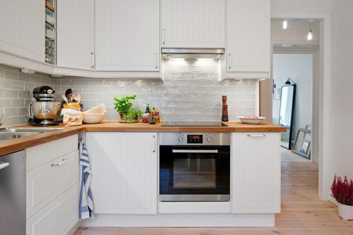 Peinture de cuisine cuisine blanche et plan de travail also cuisine blanche - Cuisine blanche et bois ...