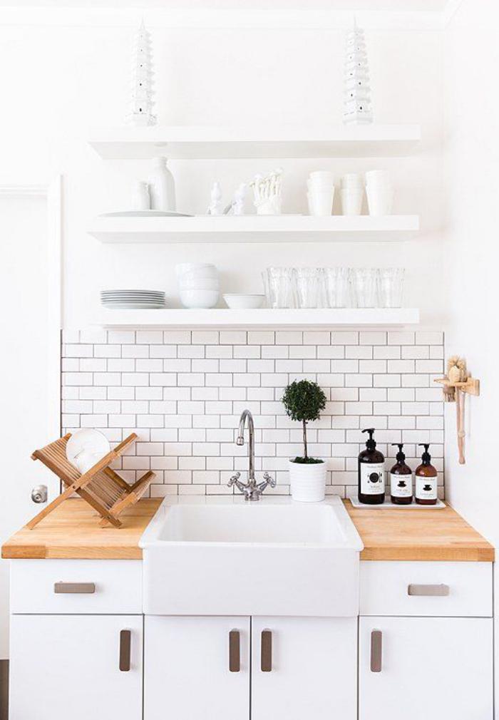 La cuisine blanche et bois en 102 photos inspirantes - Rangement mural cuisine ...