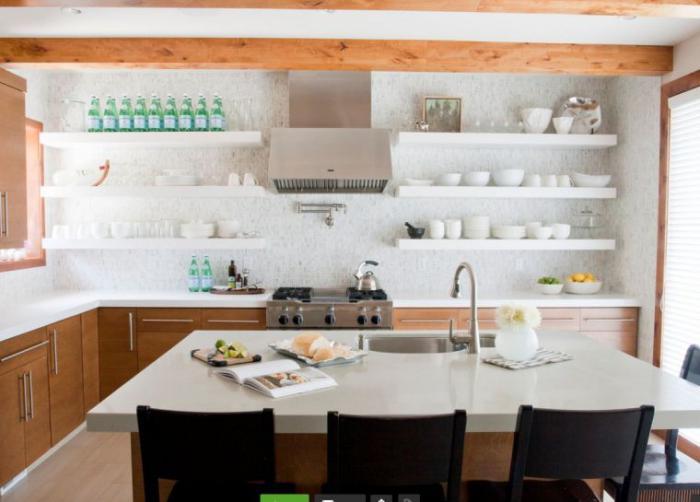 Deco Salon Moderne Classique : Cuisine blanche bois et bleue qui a du caractère