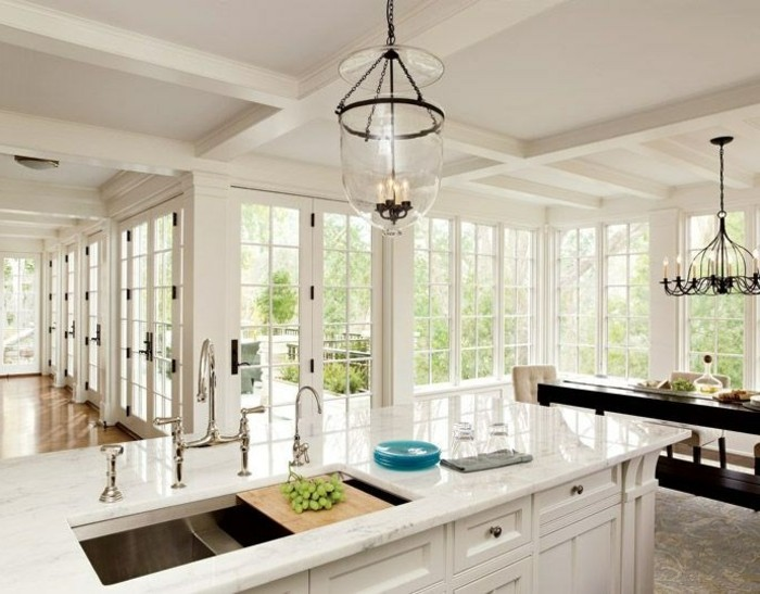 cuisine-lumiere-de-jour-quelle-deco-de-plafond-faux-plafond-décoratif
