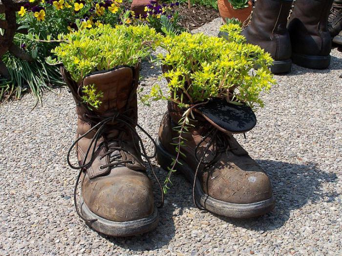 déco-jardin-récup-pots-de-fleurs-ingénieux