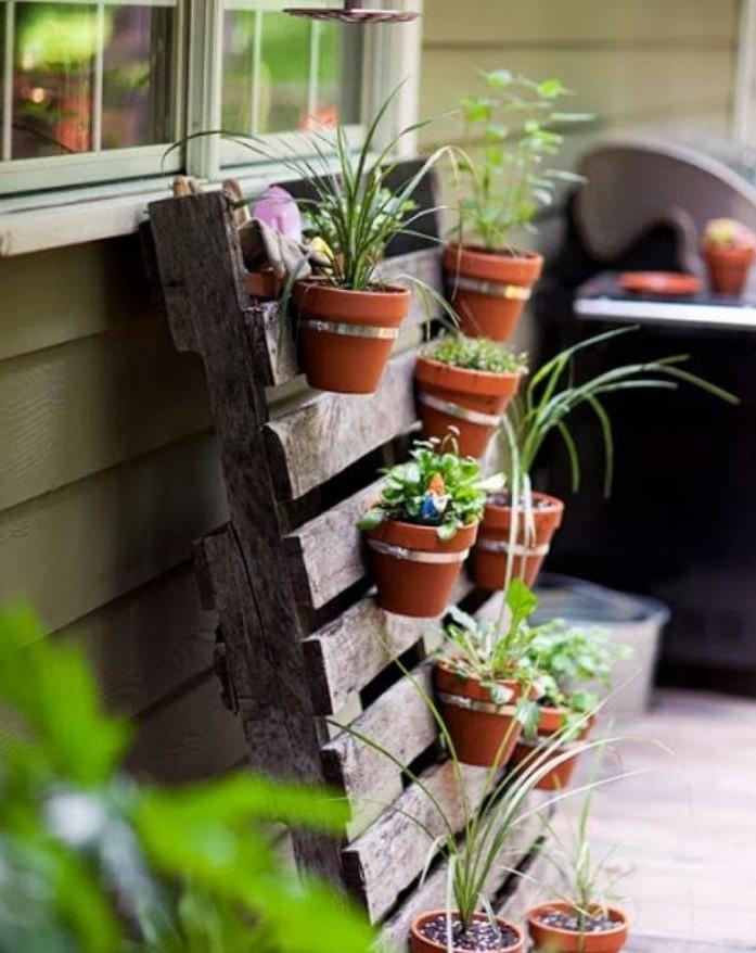 déco-jardin-récup-rangement-pots-de-fleur-original