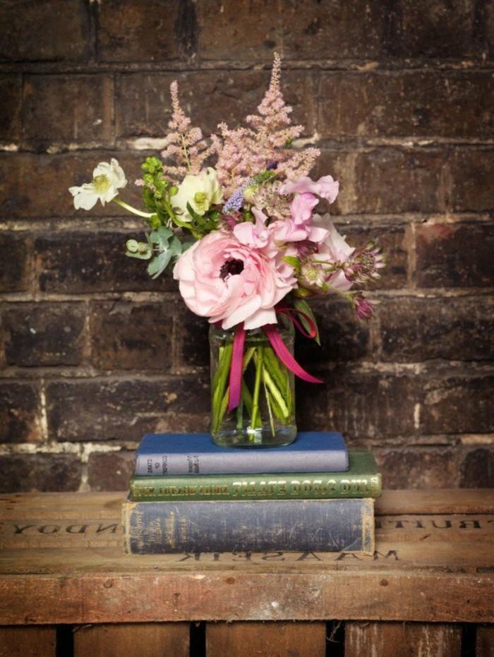 décoration-centre-de-table-florale-déco-livres