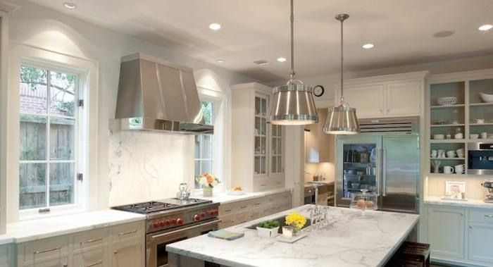 décoration-cuisine-blanche-cuisine-blanche-et-inox