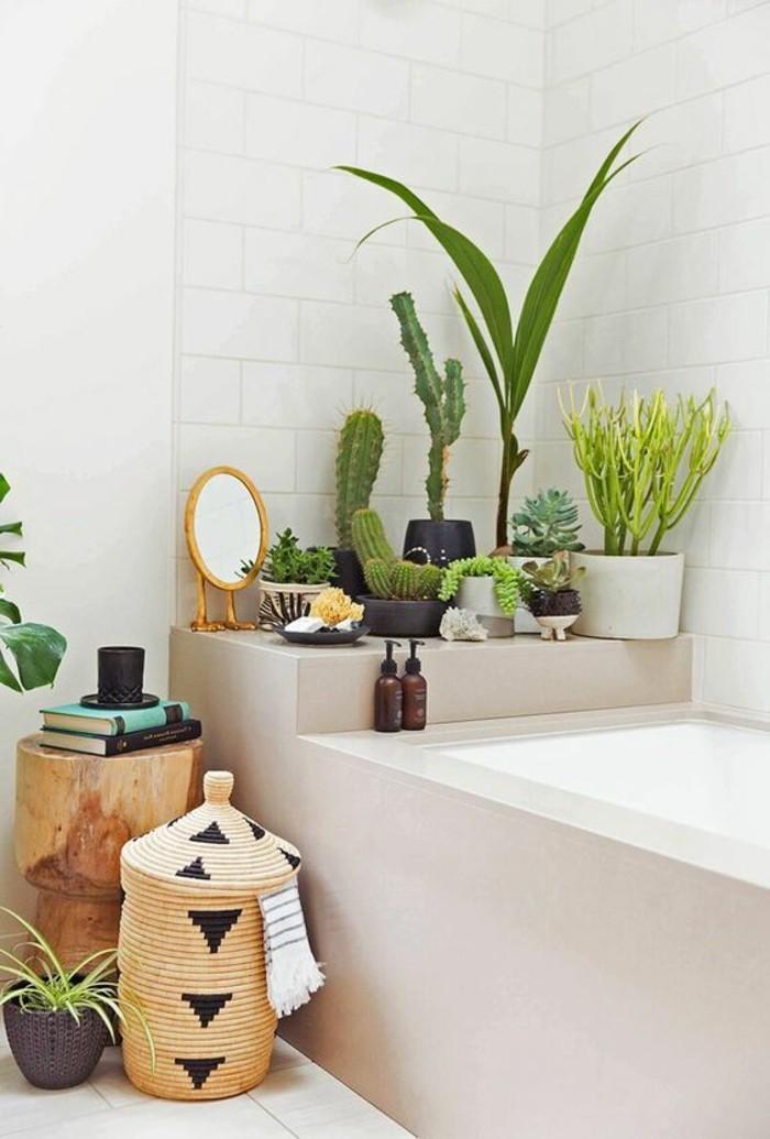 décorer-son-appartement-salle-de-bain-carrelage-blanc-plantes-vertes-salle-de-bain