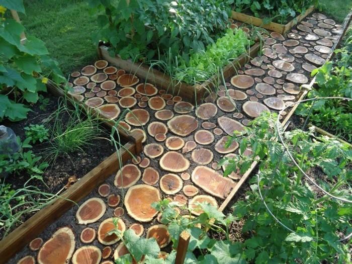 décorer-son-jardin-amenager-son-exterieur-allée-en-bois