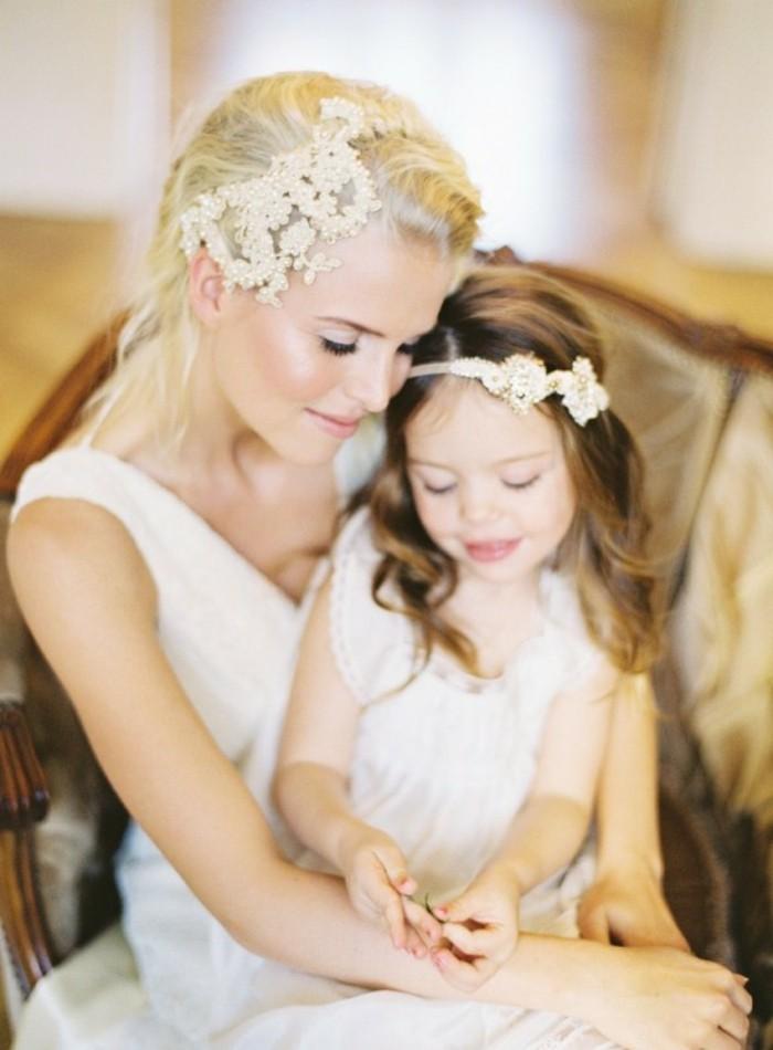 de-coiffure-pour-petite-fille-pour-mariage-et-lamariée