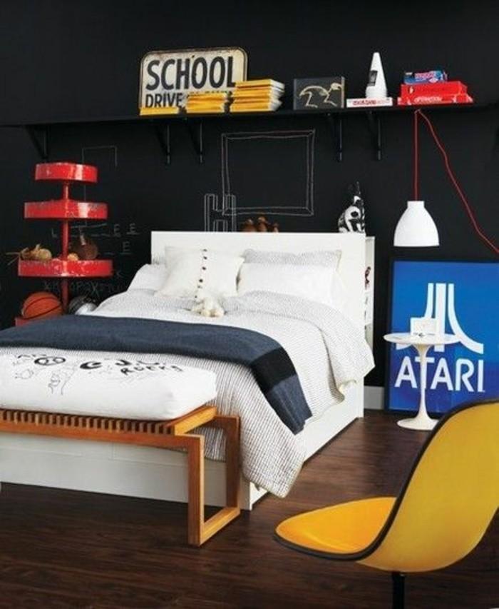 deco-chambre-ado-garcon-chambre-en-noir-et-chaise-jaune-lit-adultre